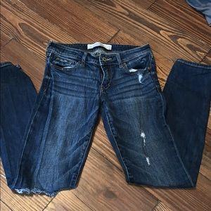 A&F distressed skinny jeans 0s  25